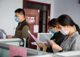 衡水志臻丨擼起袖子迎接開學,掃出有溫度的教室