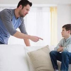面對青春期孩子的叛逆父母要怎么做