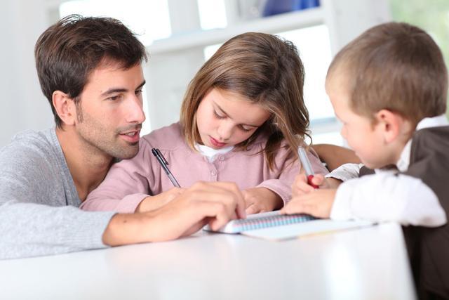 爸爸经常陪孩子做这3件事,孩子会更超卓