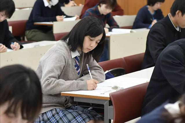 清华学霸作息表曝光:4条黄金教养法例,助你教出自律好孩子
