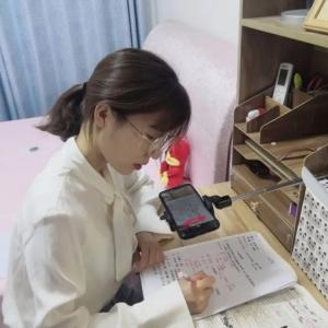 衡水顺平中学高一年级举办云端最敬业老师评选活动