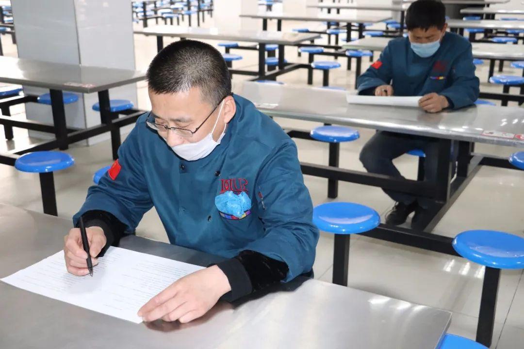 衡水顺平中学举行食堂从业人员食品安全暨疫情防控知识培训