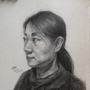 衡中新闻丨美术生画父母的肖像